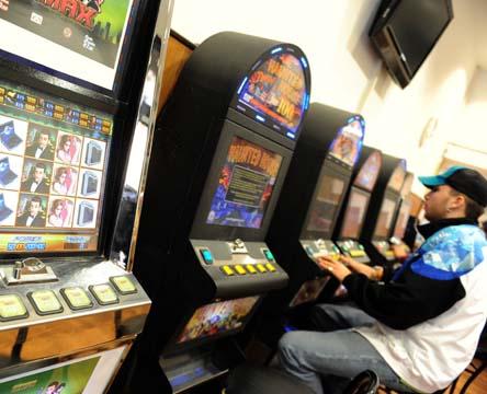 Decreto slot machine